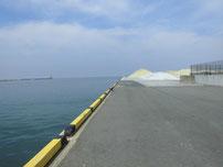 宇島港 埠頭の左側の写真