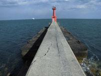 苅田赤灯台 先端付近の写真