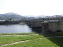 粟野川 国道橋げた下 の写真