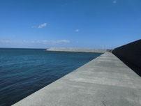 沓尾長井漁港 右側 先端付近の写真