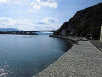 青海島大橋下周辺 青海島側 奥 の写真