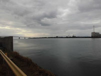 厚東川 フェンス前 の写真