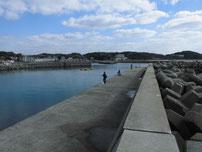 岩屋漁港 外波止 内側の写真