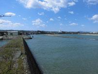 椎田漁港 波止の先端付近の写真
