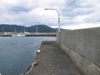 小島港 奥側の波止