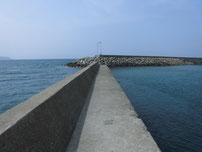 萩商港 菊ヶ浜海水浴場側 波止の写真