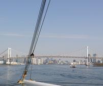 船から見たレインボーブリッチ