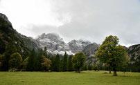Am Rontalboden mit Östliche Karwendelspitze