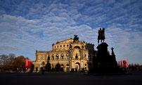 Die Semper Oper am Morgen