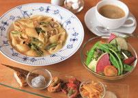 http://jp.fotolia.com/id/1424267 penne pasta and vegatebles © Adam Booth #1424267