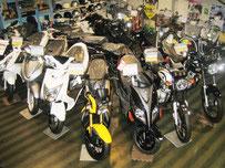 サイクルスポーツ加藤 店内 125cc 原付バイク 写真