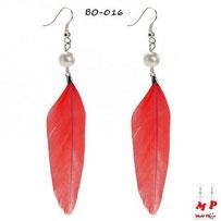 Boucles d'oreilles plumes rouges et perles