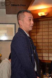 エピソードを披露する、小森プロの弟子、船木耕司プロ(JPBF)