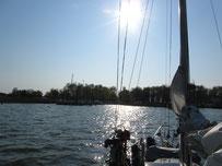 mit dem Segelboot auf dem Saaler Bodden