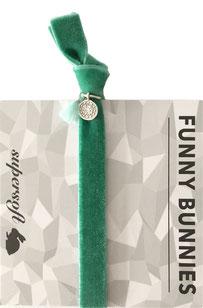 1 elastisches Samt Armband mit Tassel und Anhänger Velvet 06