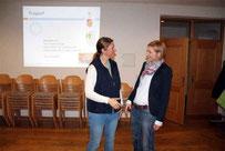 Caroline Stautner bedankte sich bei Tanja Zisterer-Schwägerl (links) für den Vortrag.