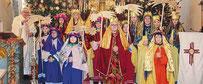 Die Ministranten sammeln – als Sternsinger verkleidet – für Kinder in Not.