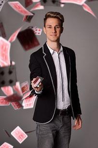 Zauberkünstler Magic Dominik
