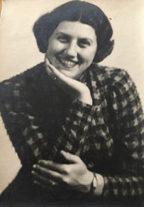 Fanny Kamm b. July 16, 1912 in Fulda