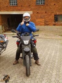 Kurven und Berge mau, dafür tolles Motorrad und tolle Sozia im Emsland