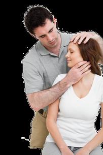Behandlung von Nackenschmerzen durch Lösung des musculus sternocleidomastoideus