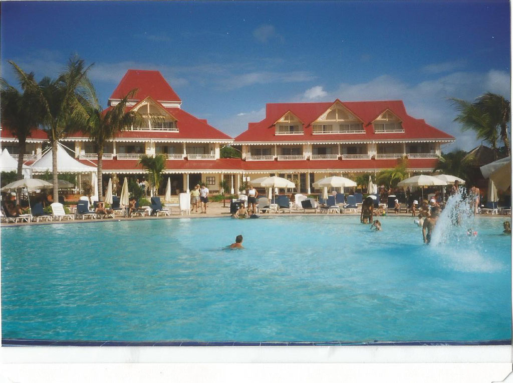 hotel   St Anne  Guadeloupe