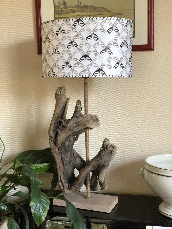 Lampe bois flotté Zen Beaucoup