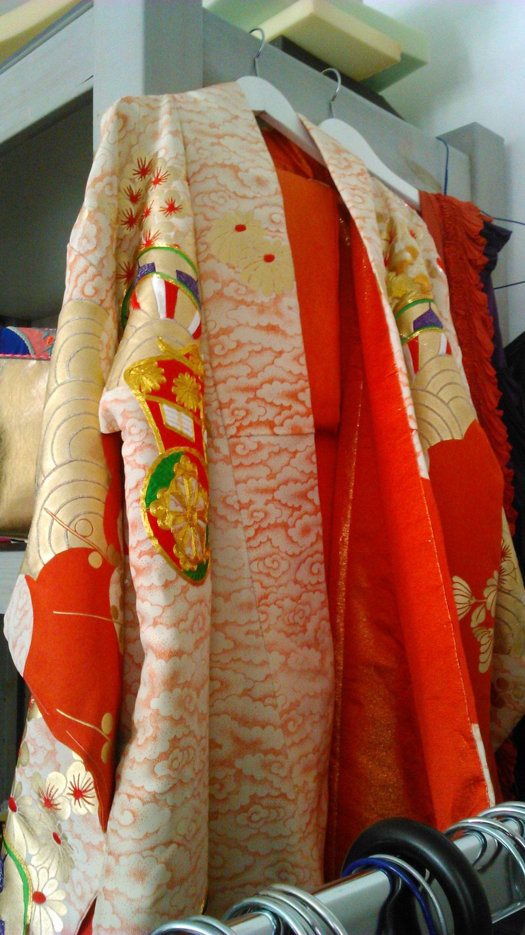 Detail eines Original-Hochzeits-Kimonos