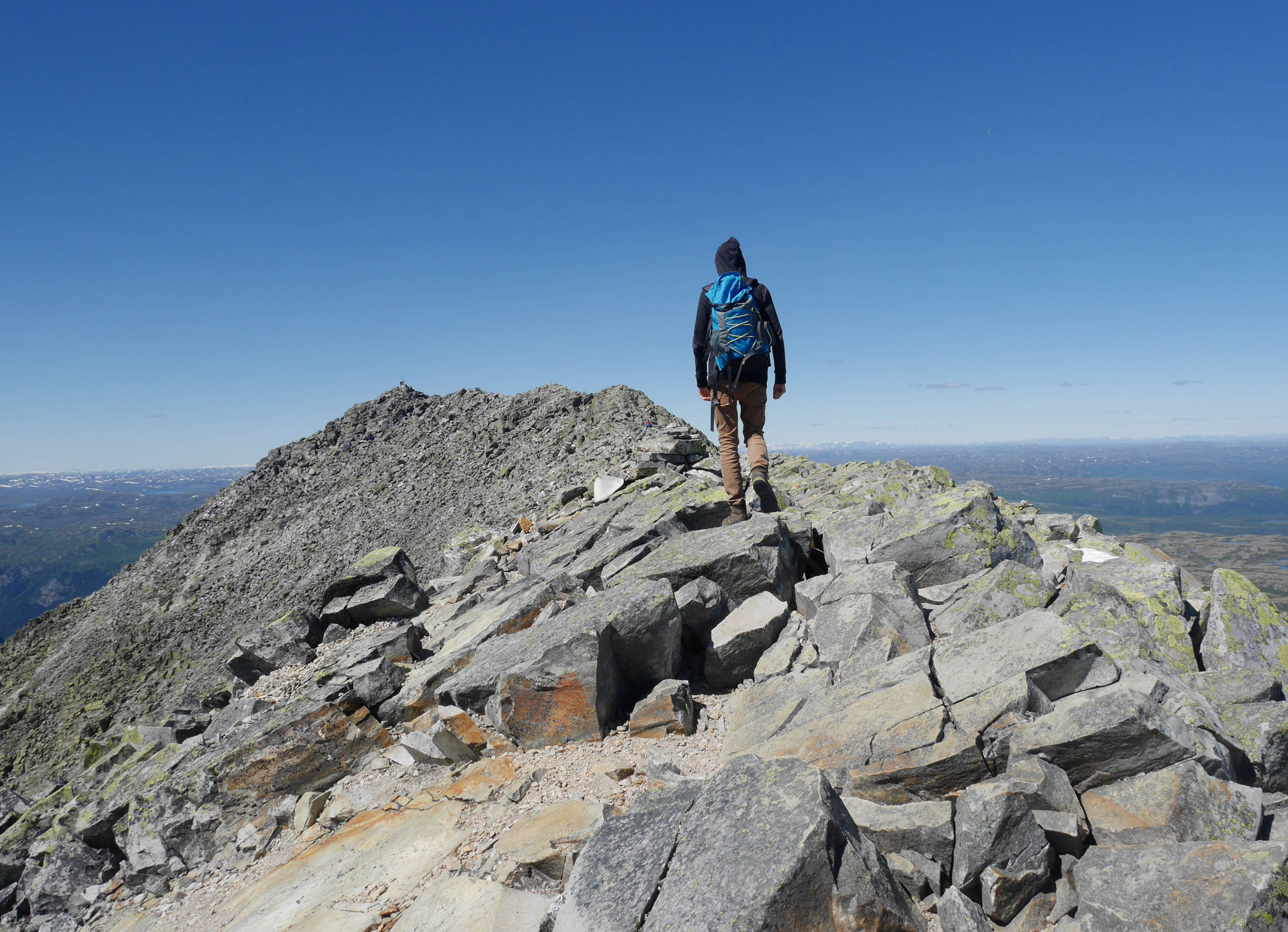 Am Beginn des Gipfelgrats
