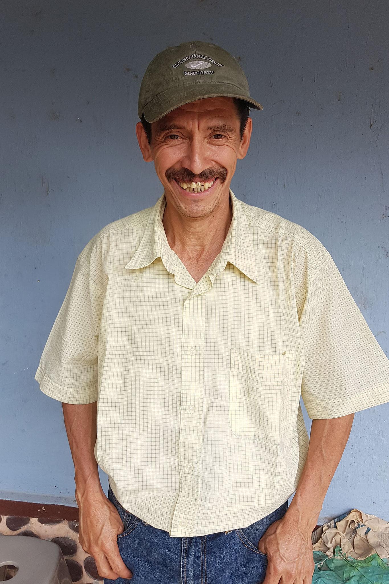Israel Lopez, Sohn von Bonifacio