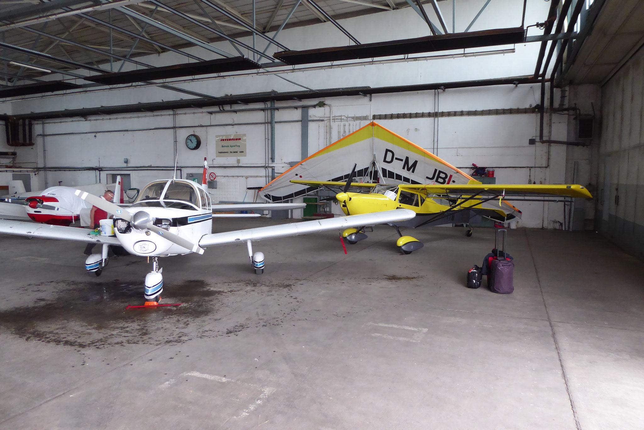 Grosser Hangar für kleine Flieger