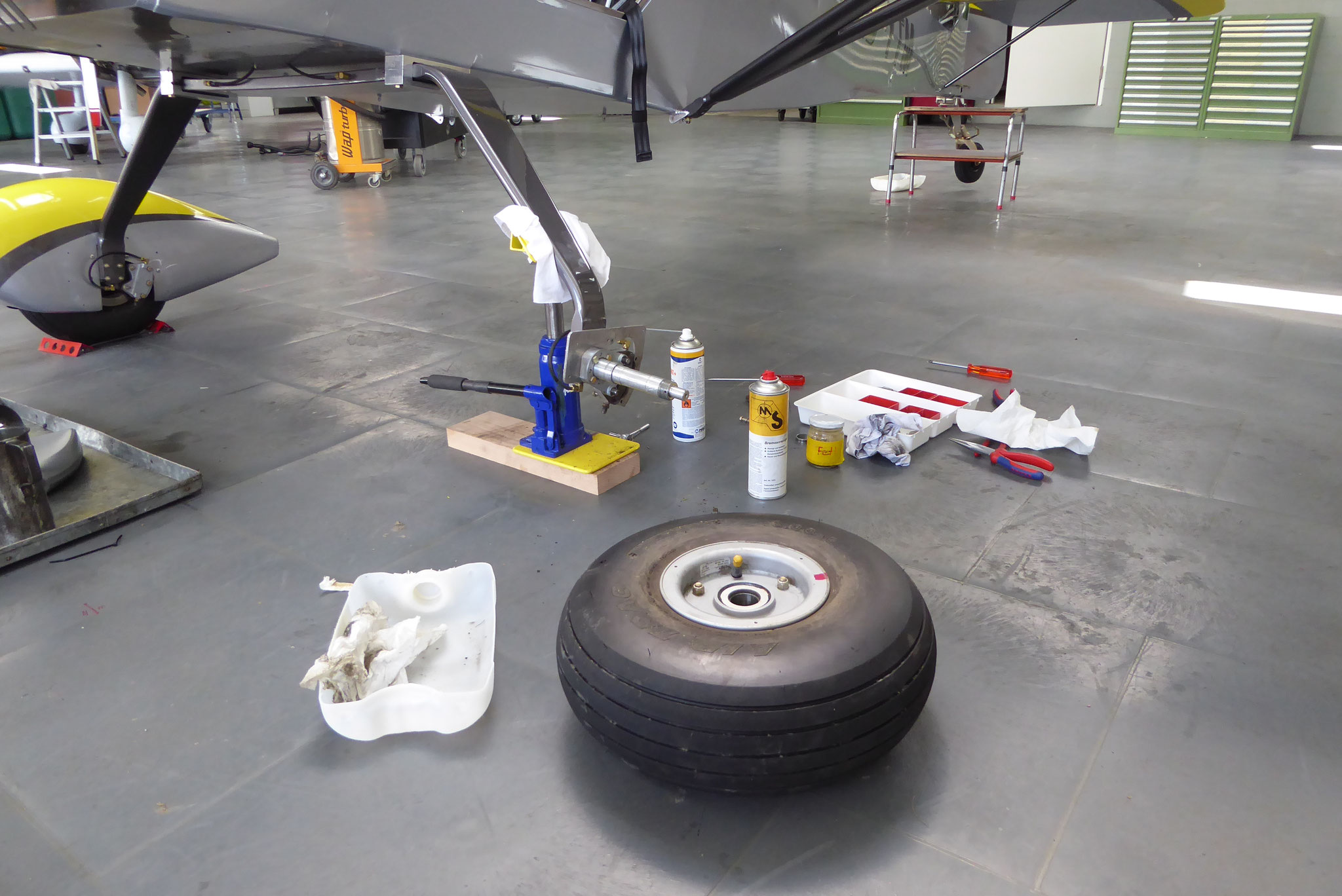 Räder und Bremsen Kontrolle