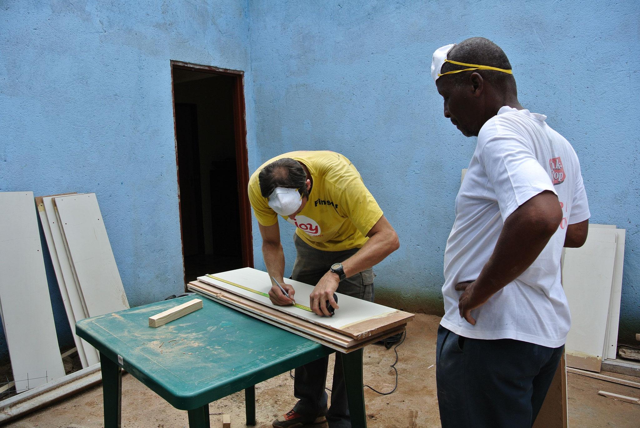 Regale und Tische bauen