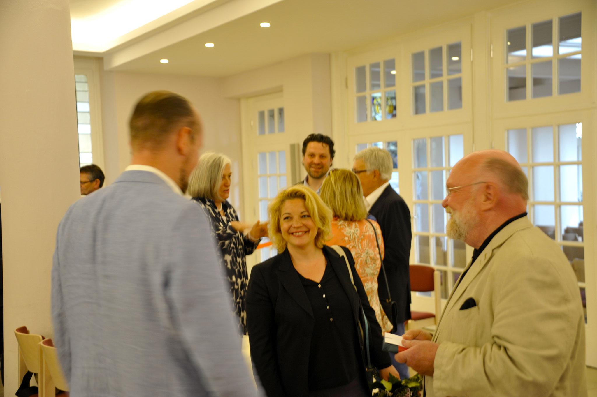Rosa Legatis, Reinhold Fahlbusch im Gespräch mit Phillip Schmalstieg