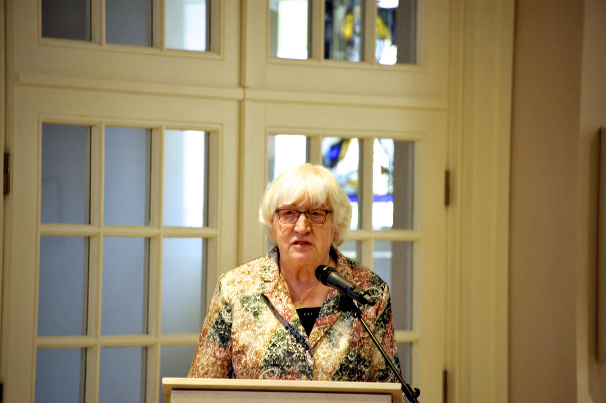 Laudatorin Renate Mauritz, Kuratoriumsmitglied der Stiftung und Kirchenvorsteherin Neustädter Kirche