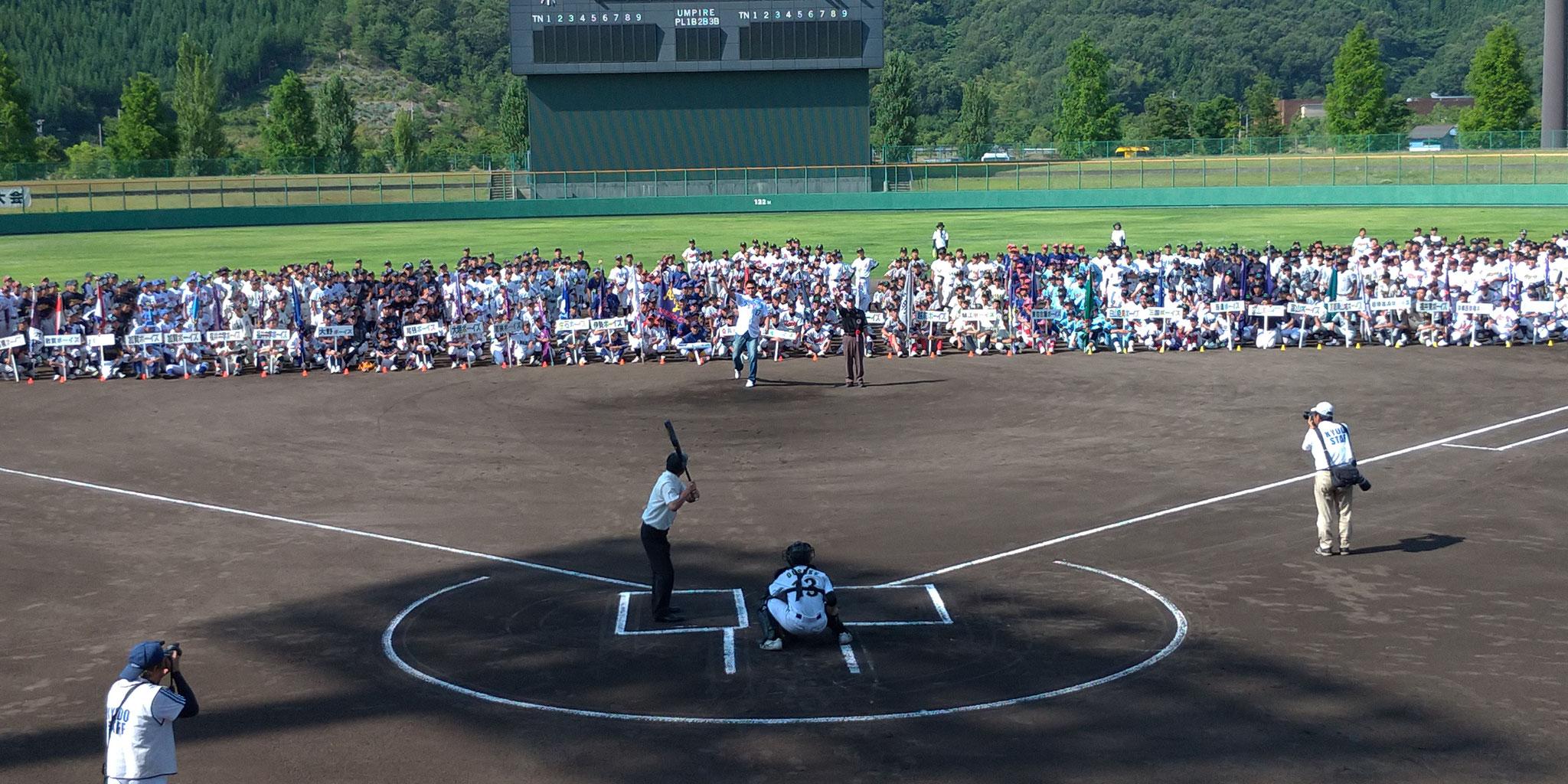 マック鈴木さんの始球式