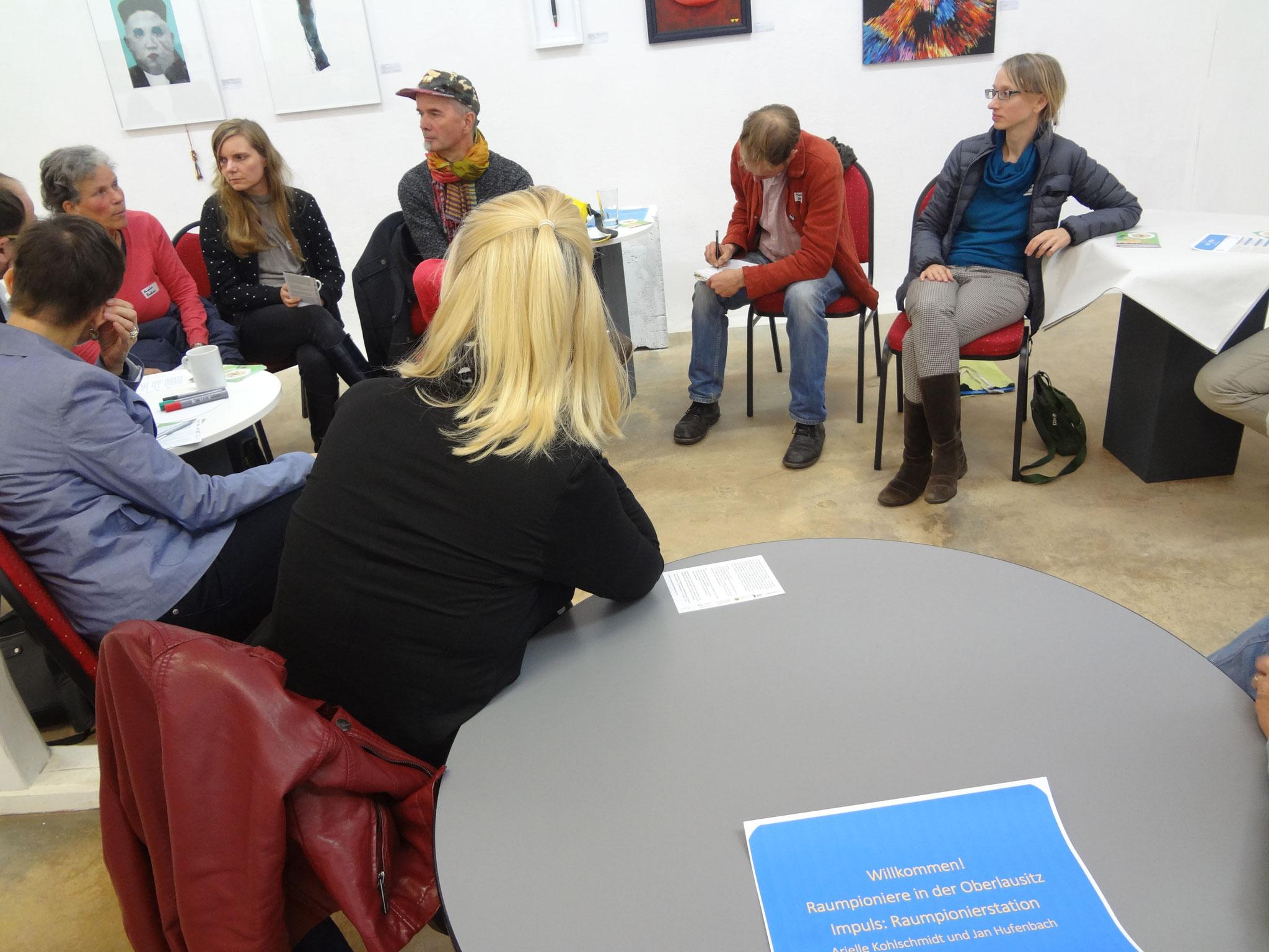 Themenfeld mit Arielle Kohlschmidt und Jan Hufenbach