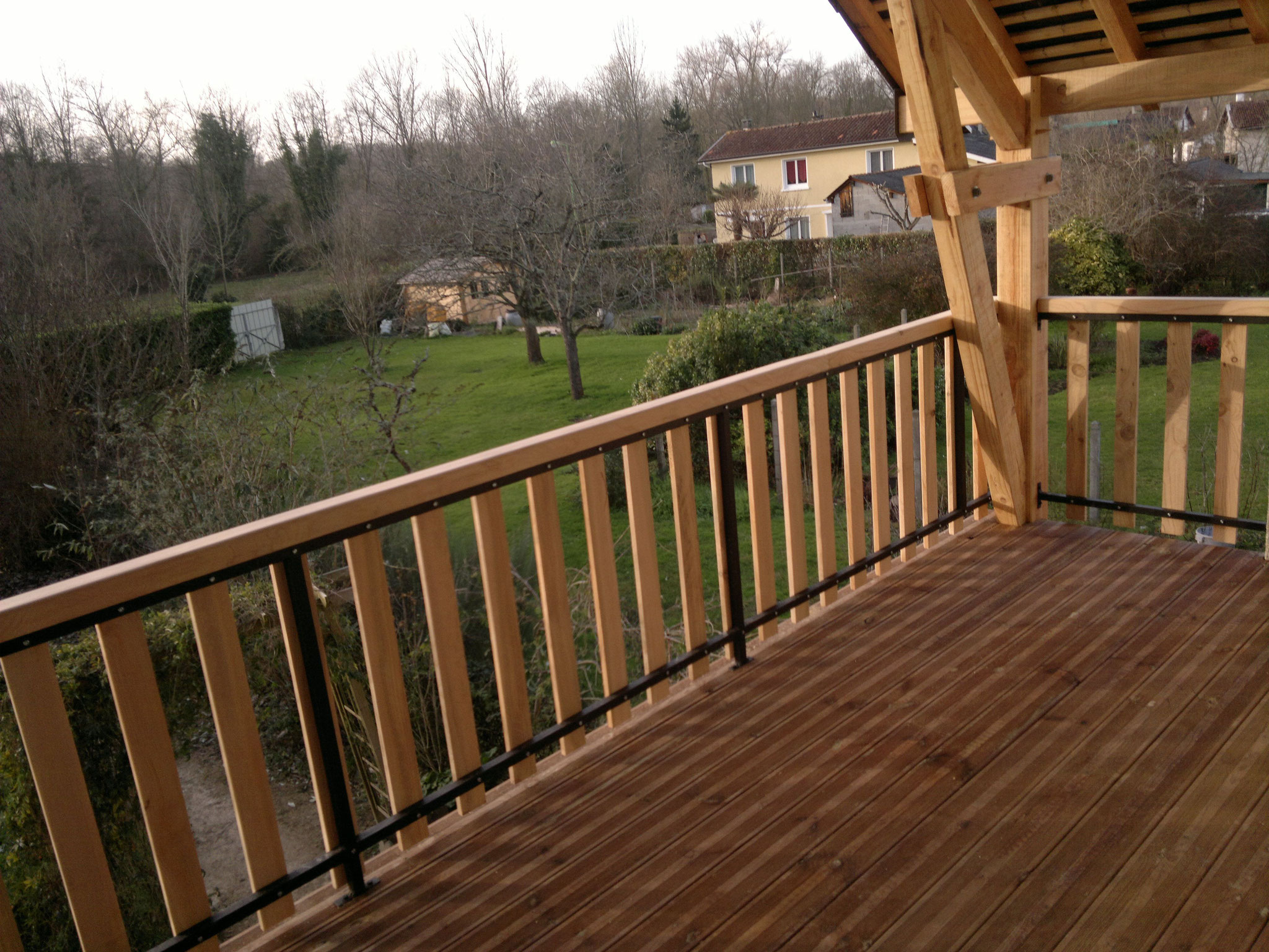 Agrandissement balcon couvert charpente bois