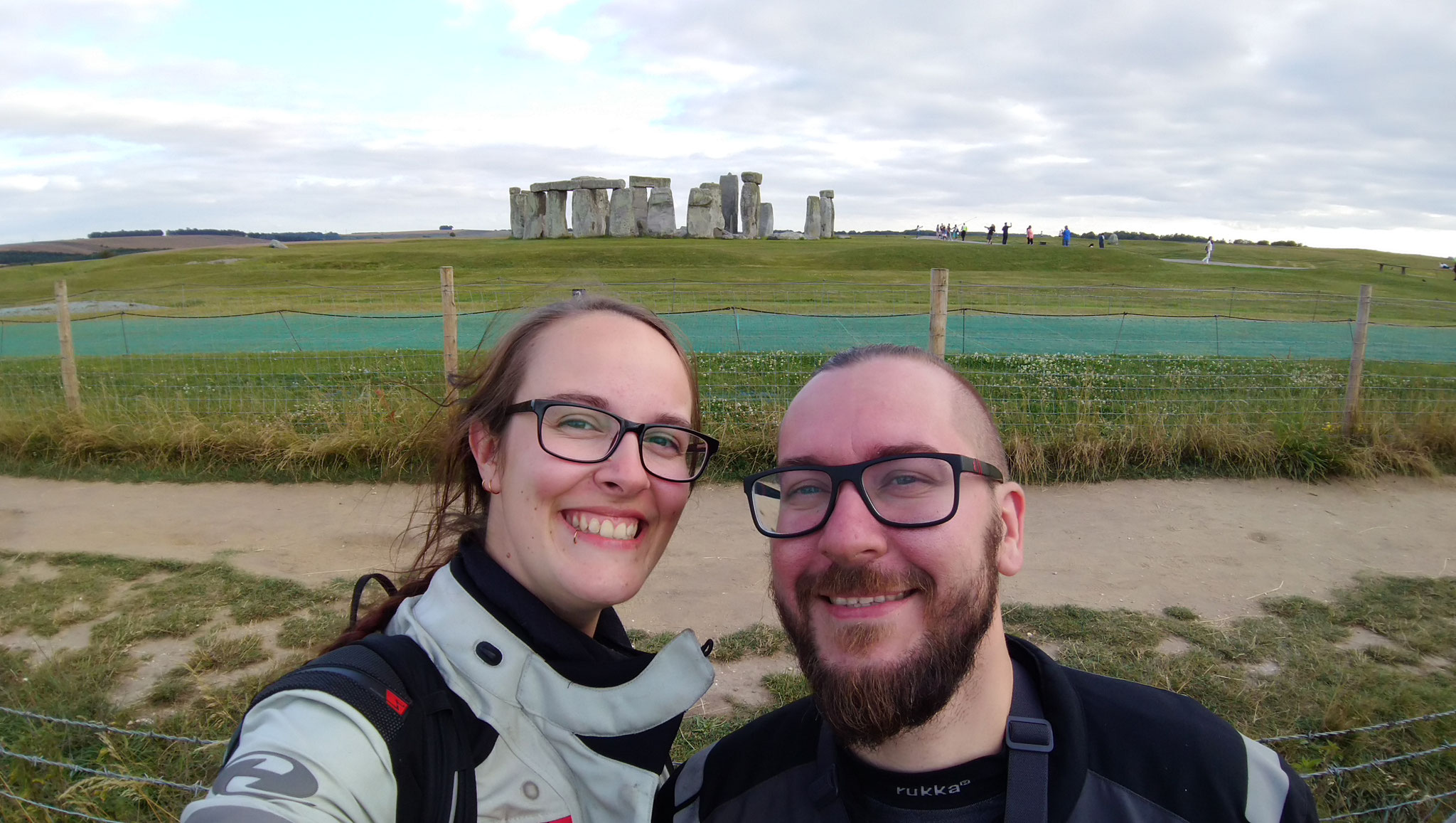 so nah kommt man auch ohne Ticket an Stonehenge dran