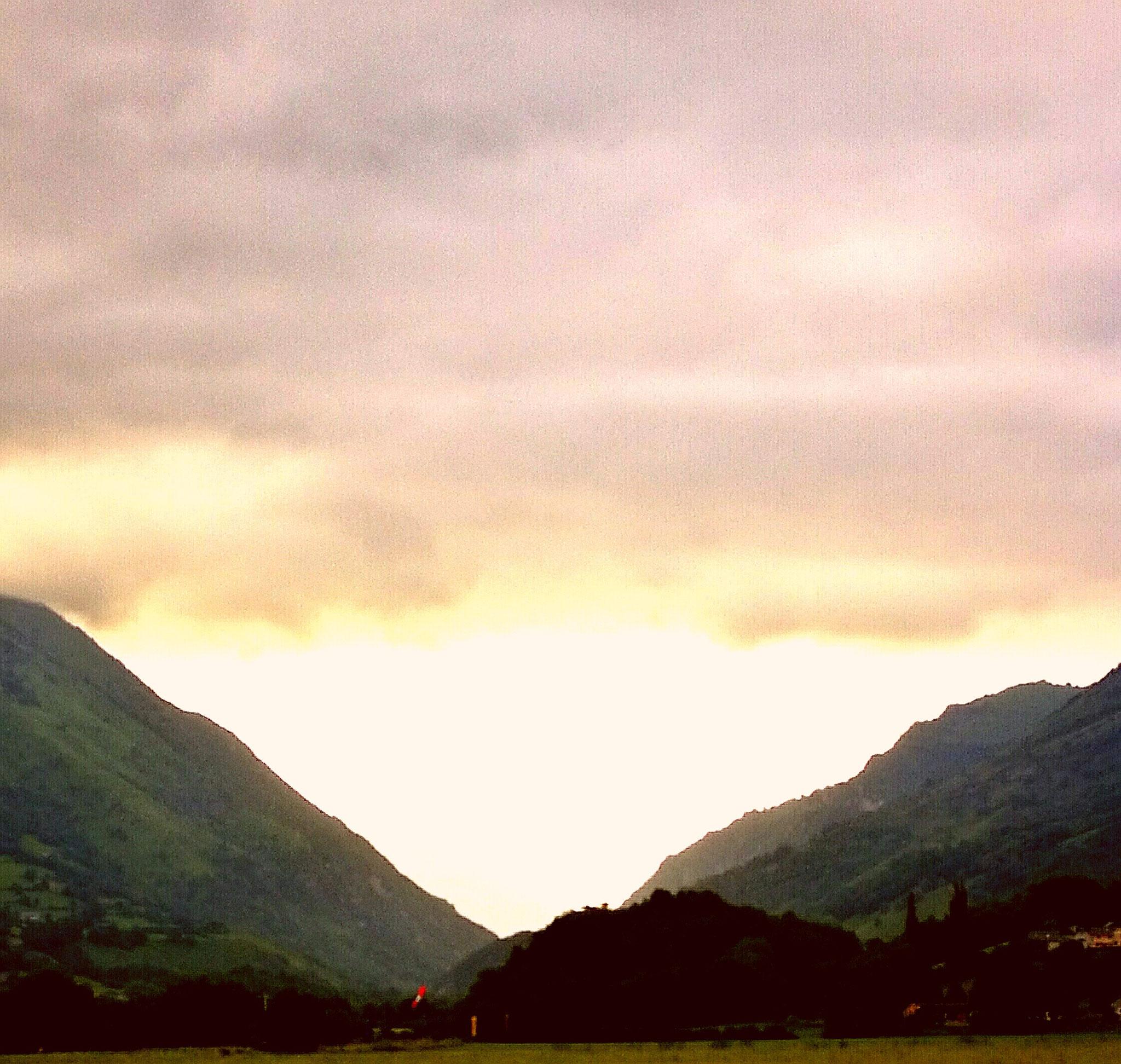 Un ciel pastel en vallée d'Aspe