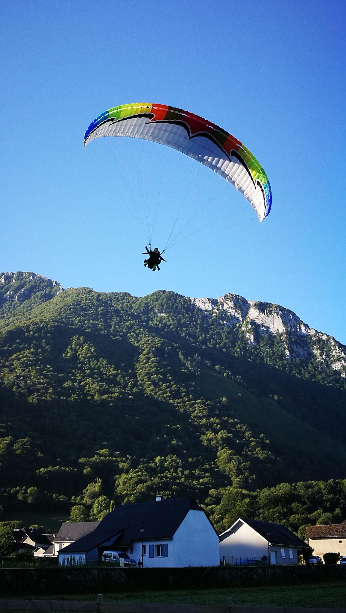 Le meilleur ciel à parapente de la vallée d'Aspe, Accous