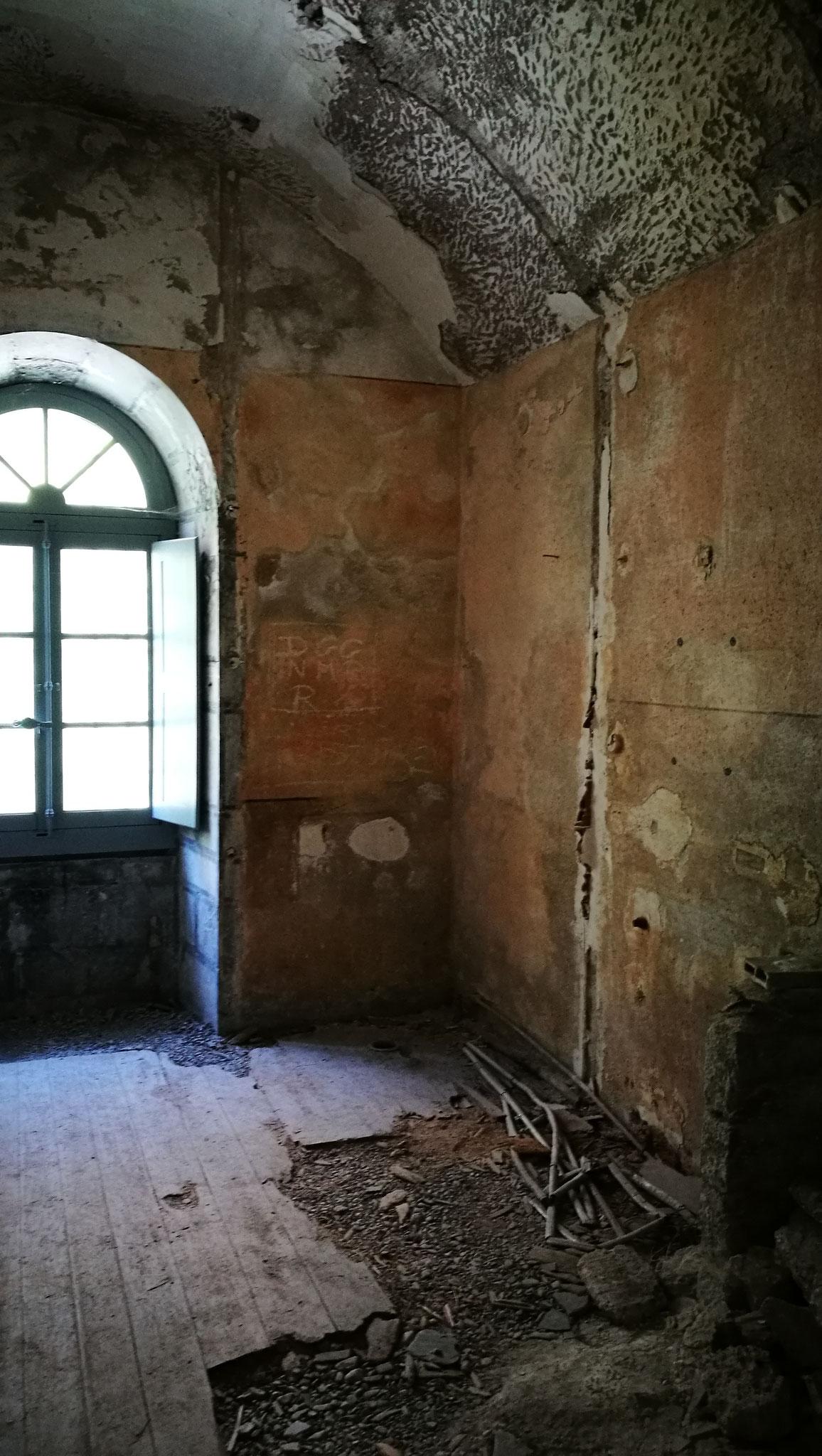Cellule où Pétain a été enfermé après son procès