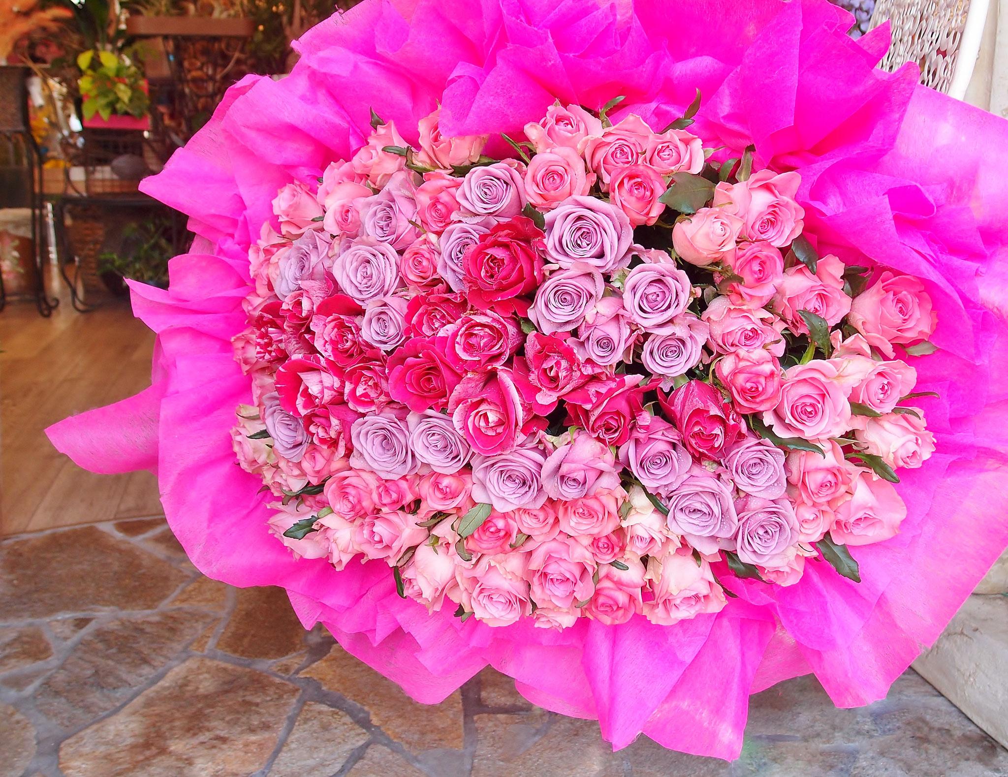 99本 バラの花束