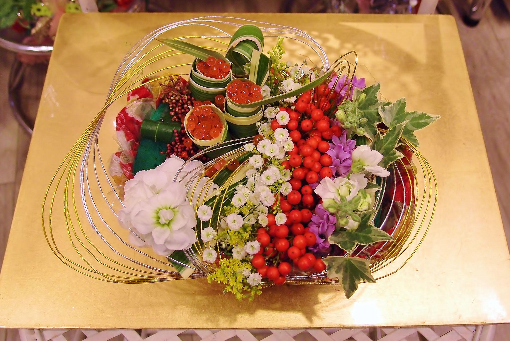 お正月 お花でおせち