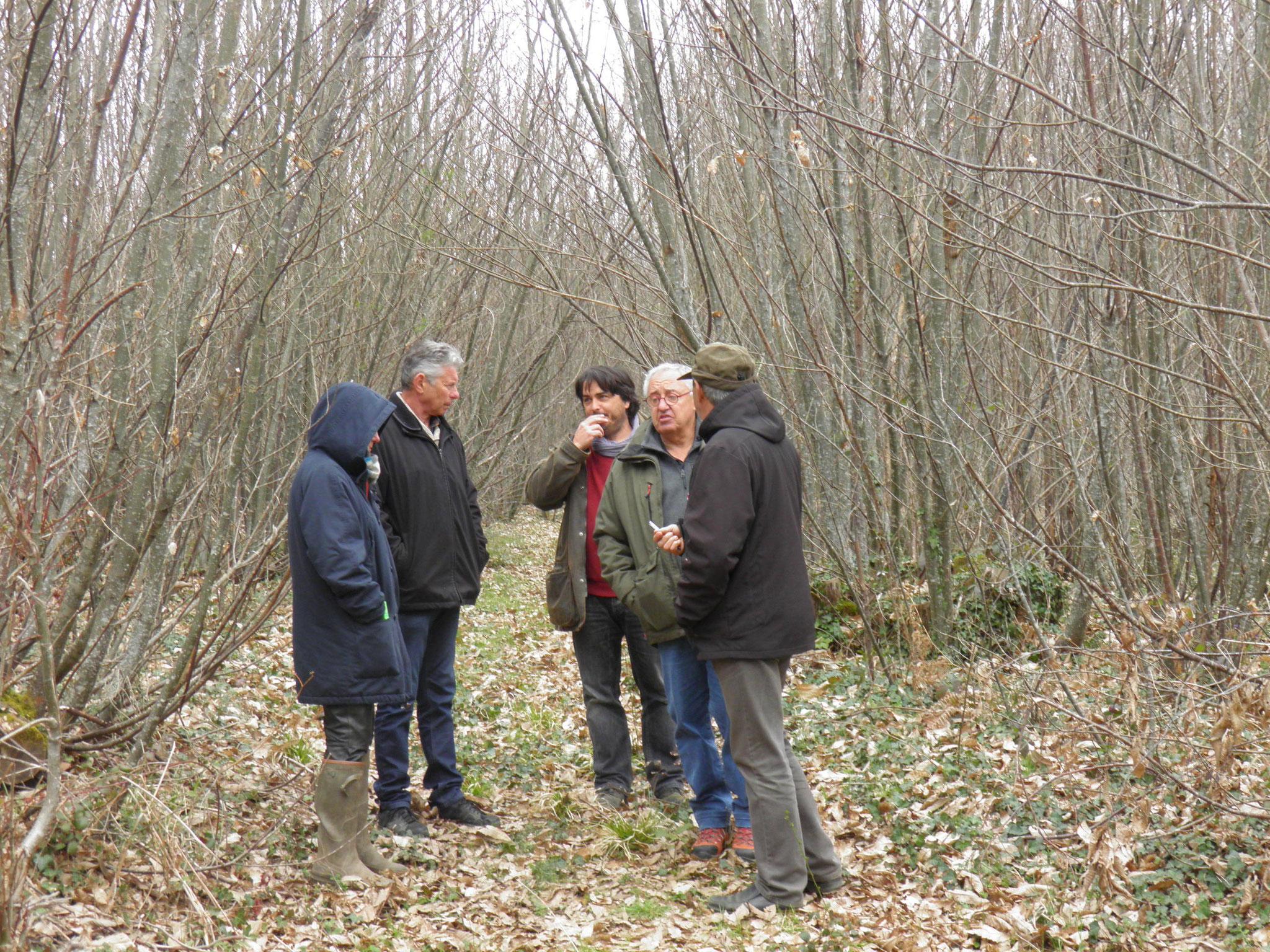 Yann CLEMENT du CRPF avec des propriétaires de parcelles forestières