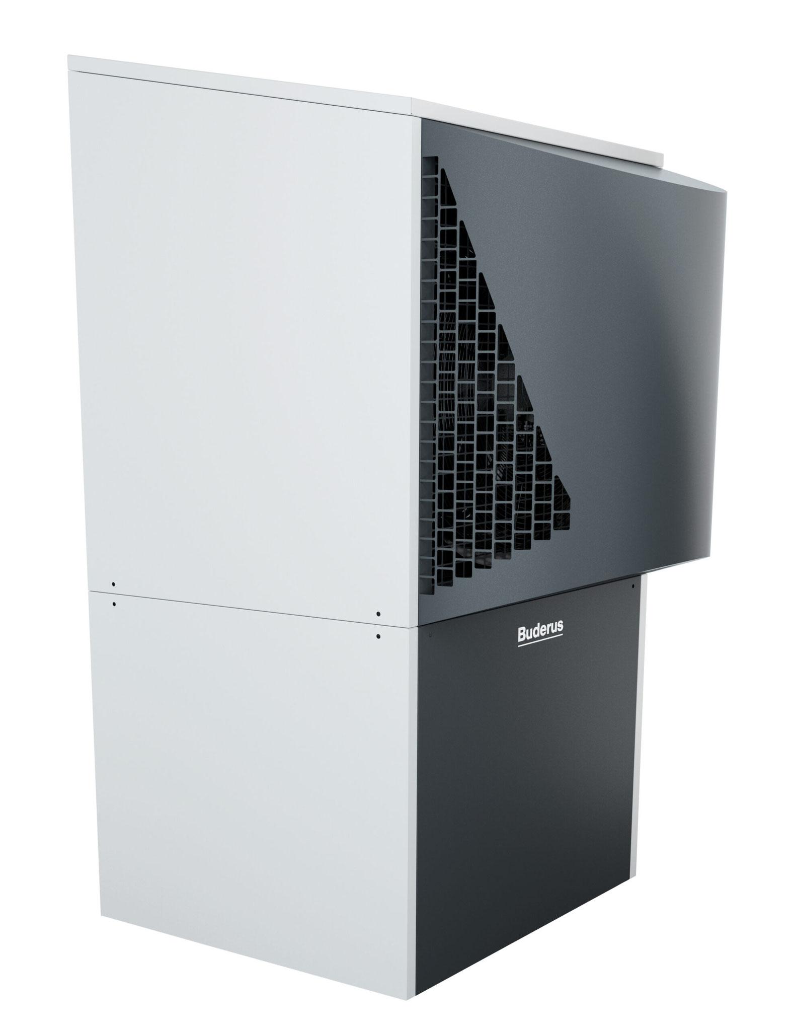 Die Außeneinheit der Logatherm WLW286 A braucht wenig Platz, in der Leistungsgröße 17 und 22 kW sind es lediglich 0,8 Quadratmeter Aufstellfläche. Das Gehäuse ist in Trapezform gestaltet, was die empfundene Größe deutlich reduziert.