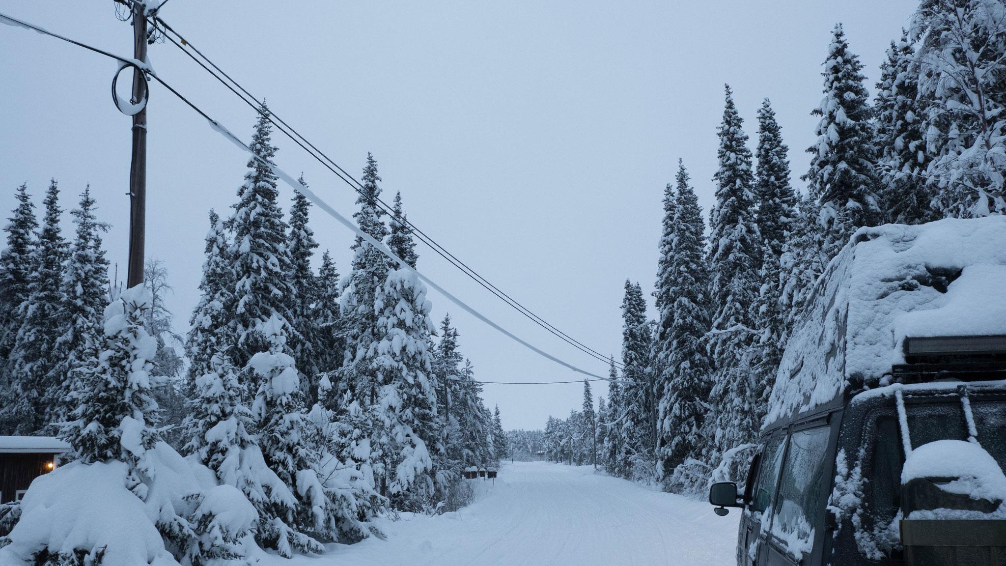 31.12.2020 gegen 12 Uhr bewölt auf dem Weg nach Kiruna