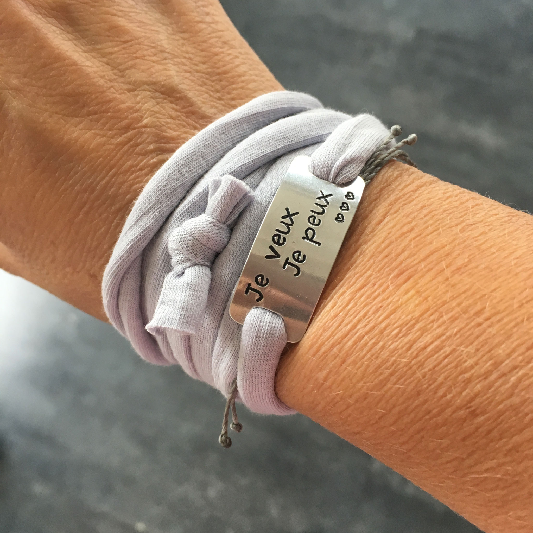 Bracelet bijoux sport plaque métal gravée poinçonnée motivation running marathon fait main made in France run je veux je peux