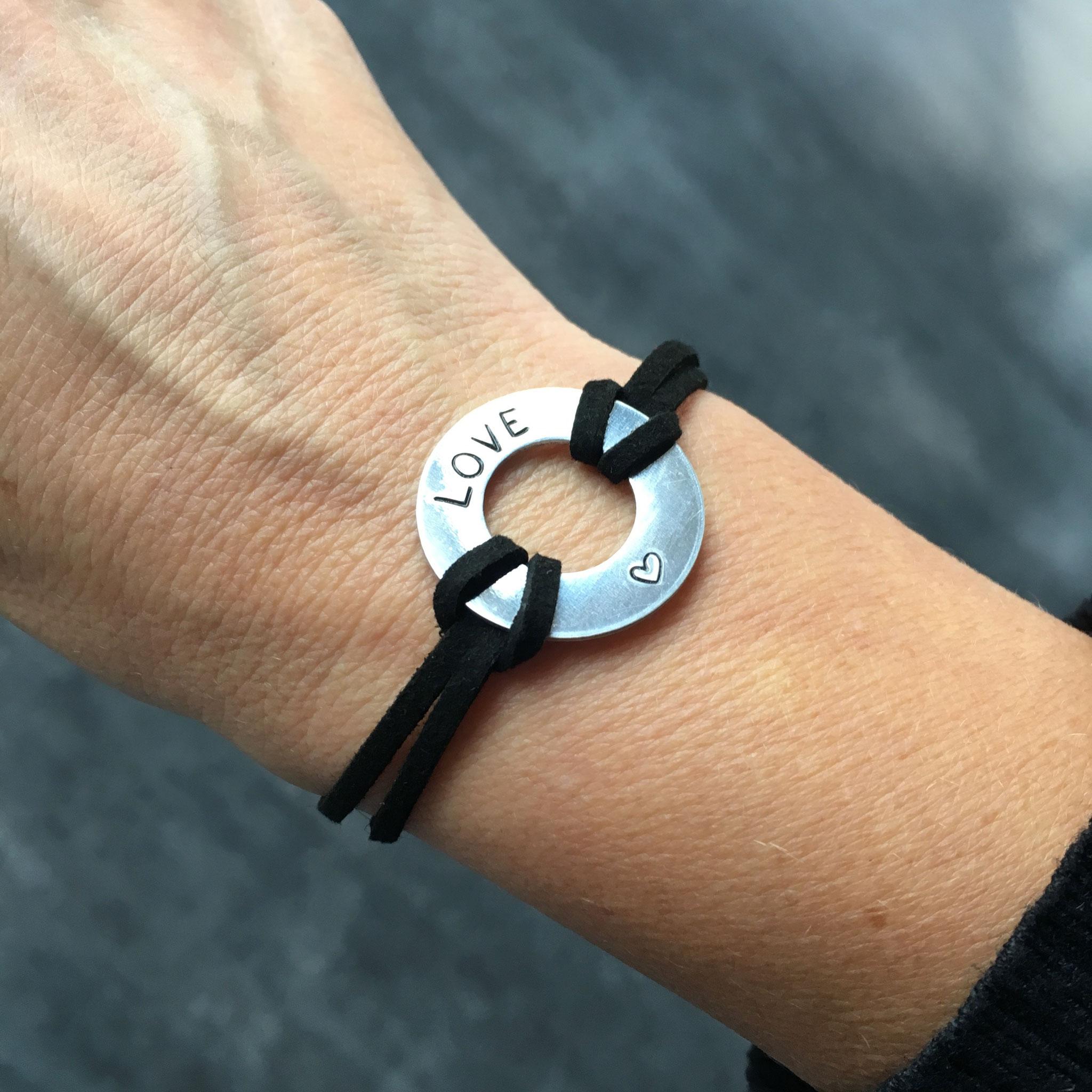 Bracelet bijoux cadeaux sport plaque métal gravée motivation love fait main made in France