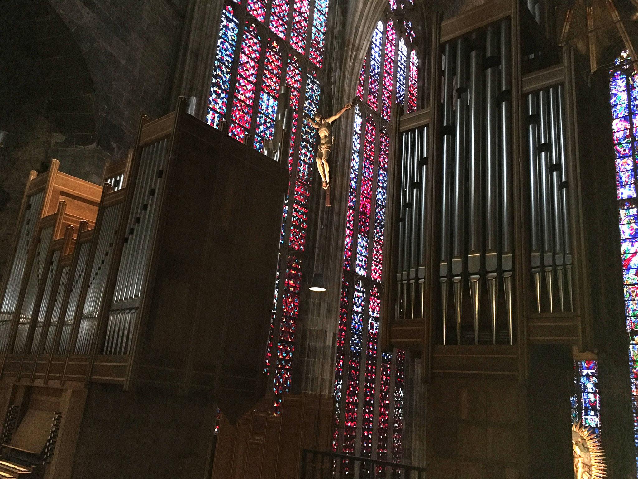 Die Hochmünsterorgel im Aachener Dom.